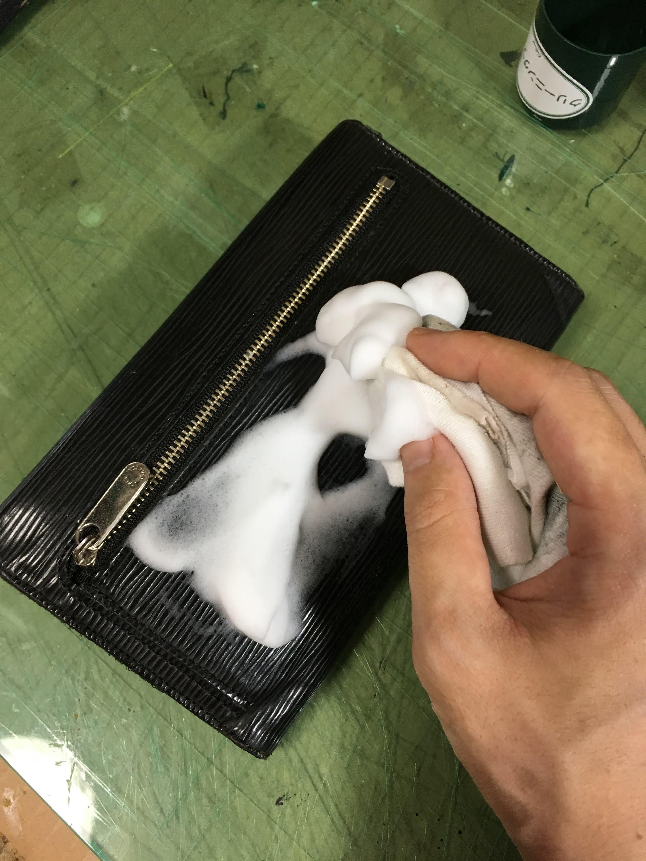 革製品 ケア コロニル
